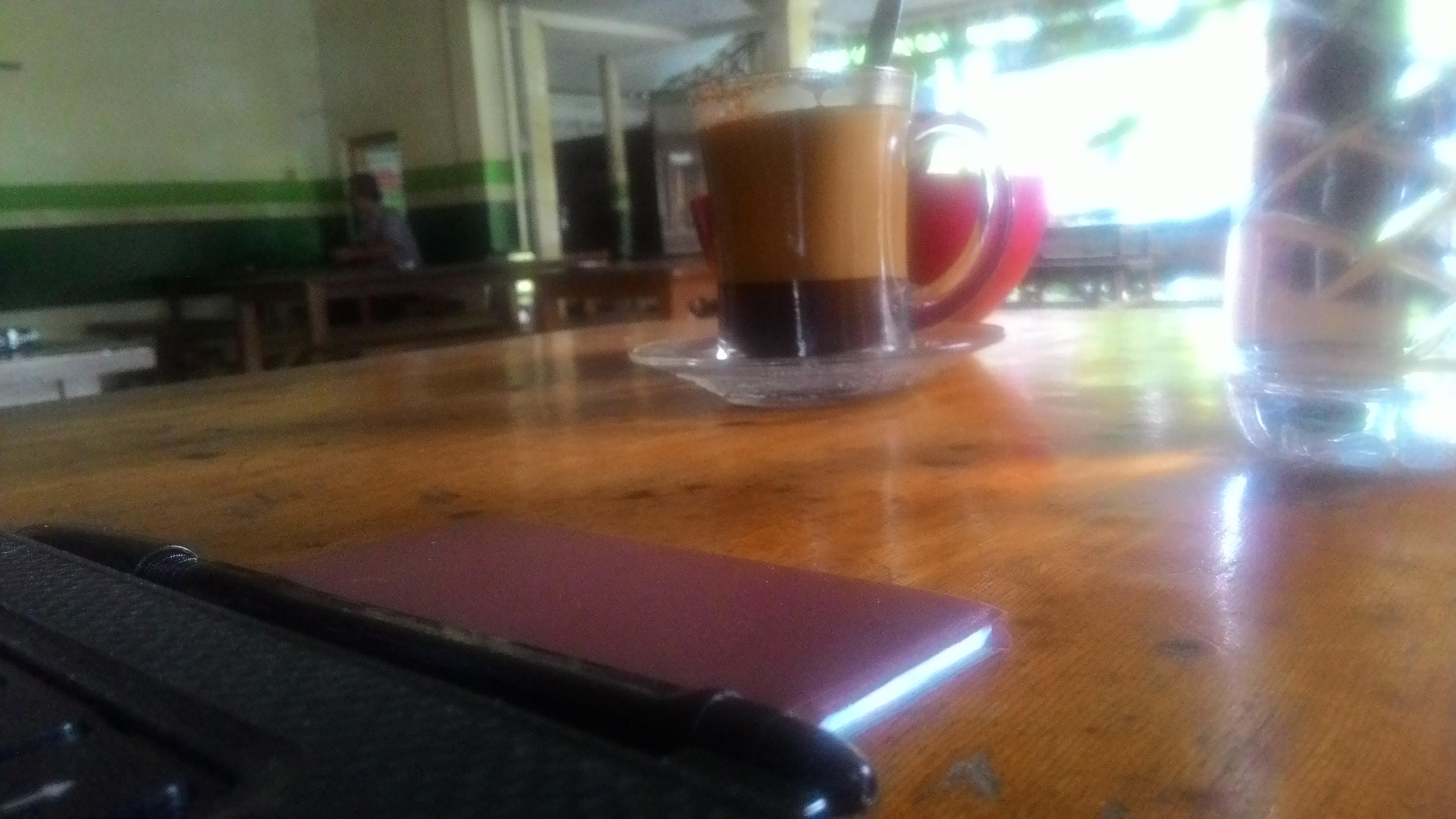 warung kopi cakwang di pagi hari